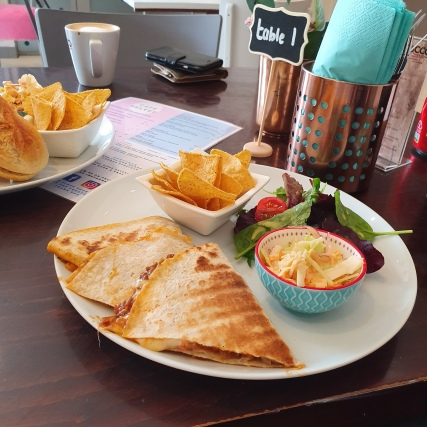 Cafe Velvet - Quesadillas with Cheese and Chilli (2)