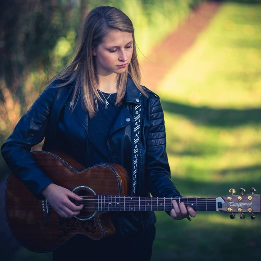 Solo Musician Interview: Emily Lockett